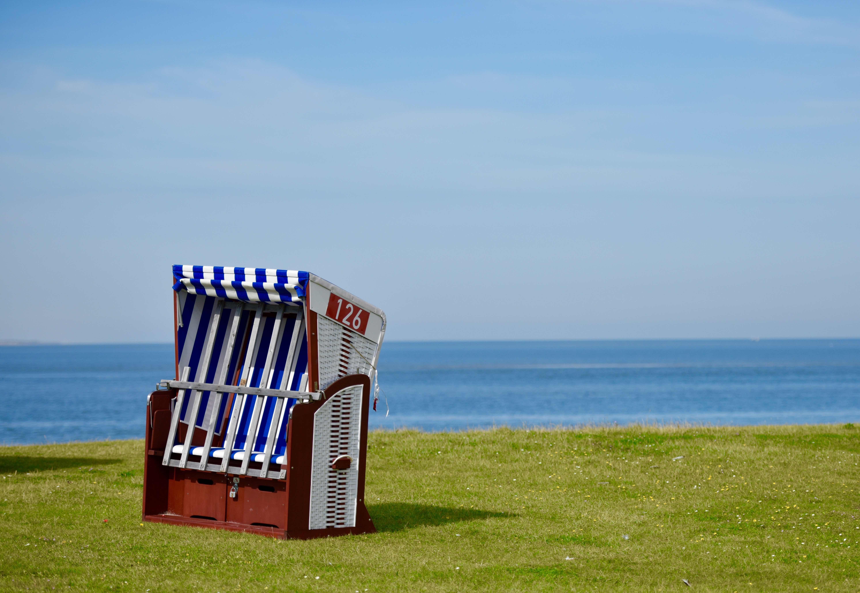 Strandkorb als Symbol für Homöopathische Reiseapotheke